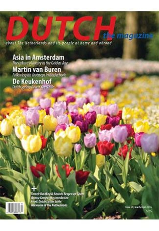 Dutch 2016 03 04 cover with De Keukenhof tulips